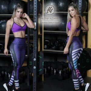 Leggins deportivos de suplex morado franjas - Milena Aldana